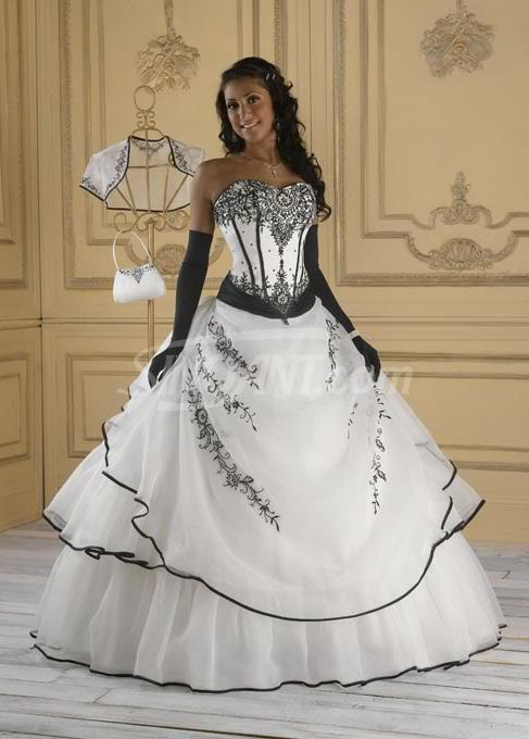 Beautiful Ball Gown Scoop Neckline Embroidery Wedding Dress..minus the gloves