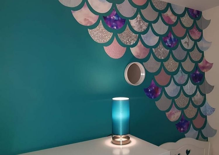 Mom DIYed The Most Magical Mermaid Bedroom Using Wallpaper Samples