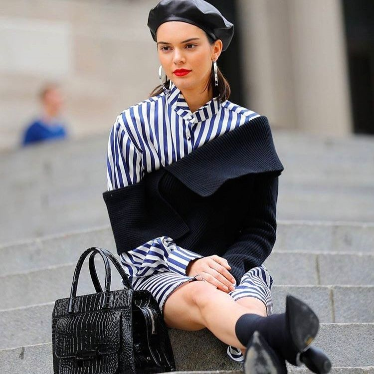 @kendalljenner dressing much like our favourite Gossip Girl character Blair Waldorf on the MET steps�� #kendalljenner #met #gossipgirl #blairwaldorf #fashion #fashions #fashionph #fashionista #fashionblog #fashionblogger #fashiongram #fashionstyle #style #stylish #styling #styleblog #styleblogger #streetwear #streetfashion #streetstyle #streetphotography #celebrity #celebritystyle #celebrityfashion #supermodel #model #highfashion…