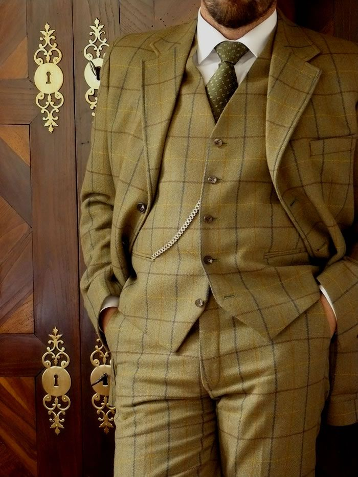 Classic second button hole down to right hand pocket. Gold chains go very  well with the warmth of Tweed. Rolled Gold is a great alternative to Solid  Gold ef1c915c700