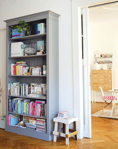 Love This Colorful Bookcase Interior Interior Design Home Decor