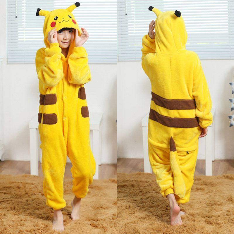 Encontrar Más Ropa Información acerca de Niños infantil Chicos Chicas Disfraces  Pokemon Pikachu Onesies Cosplay Pijamas Pijamas Animal de la Historieta ... fe52c5537e54