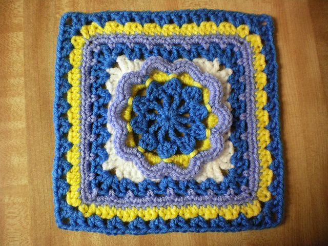 Hermit 9 and 12 Afghan Block pattern by Margaret MacInnis ~ free pattern