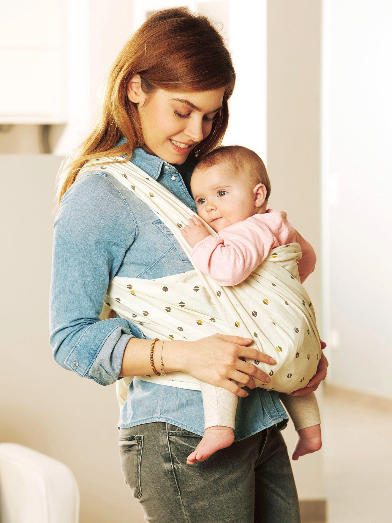 7fe29125c75 ... de portage permet de prolonger le lien extraordinaire créé avec Bébé  tout au long de la grossesse. Collection Automne-Hiver 2016 - www.vertbaudet .com
