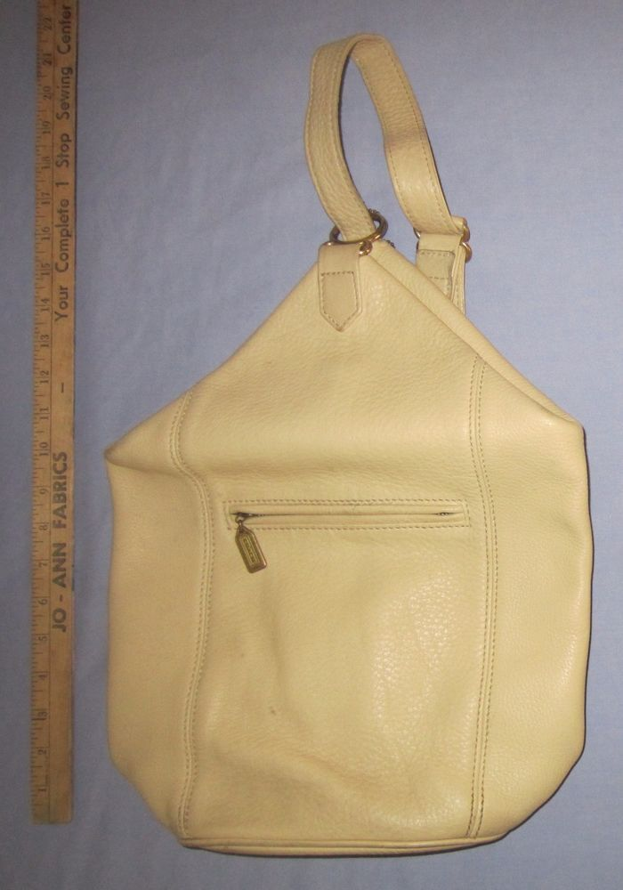 Vintage Coach White Cream Pebbled Leather Flat Pack-1 Sling Shoulder Bucket  Bag  Coach  FlatPacknaturalgrain 0008adcb34819