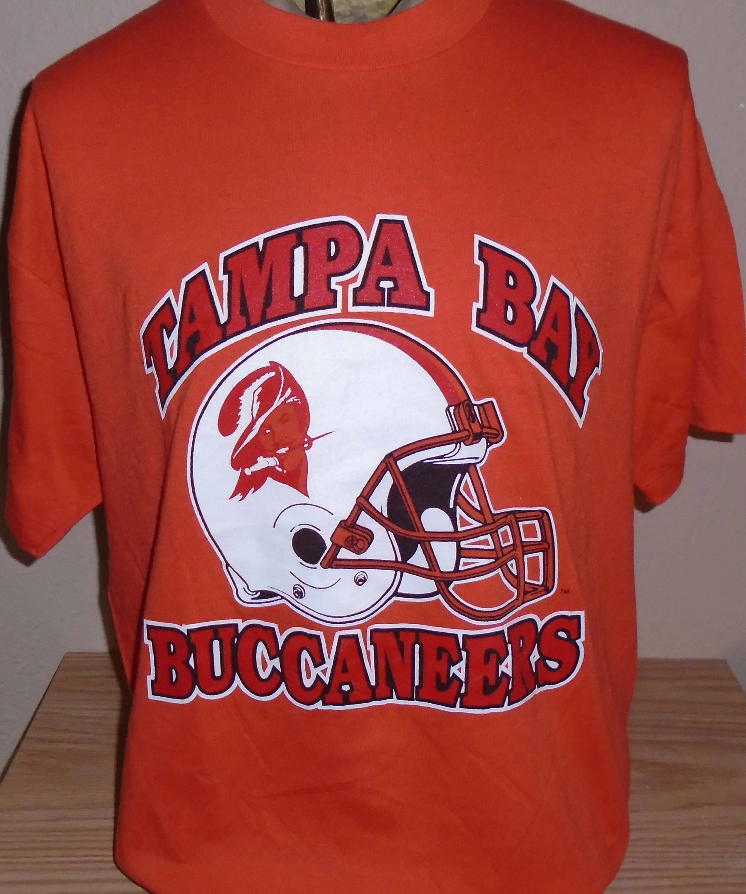 Vintage 1980s Tampa Bay Buccaneers Nfl Football T Shirt Xl 50 50 By Vintagerhino247 On Etsy Football Tshirts Tampa Bay Buccaneers Buccaneers
