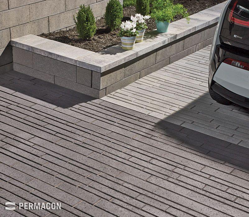 Entr e de garage de style contemporain garden ideas for Amenagement entree garage