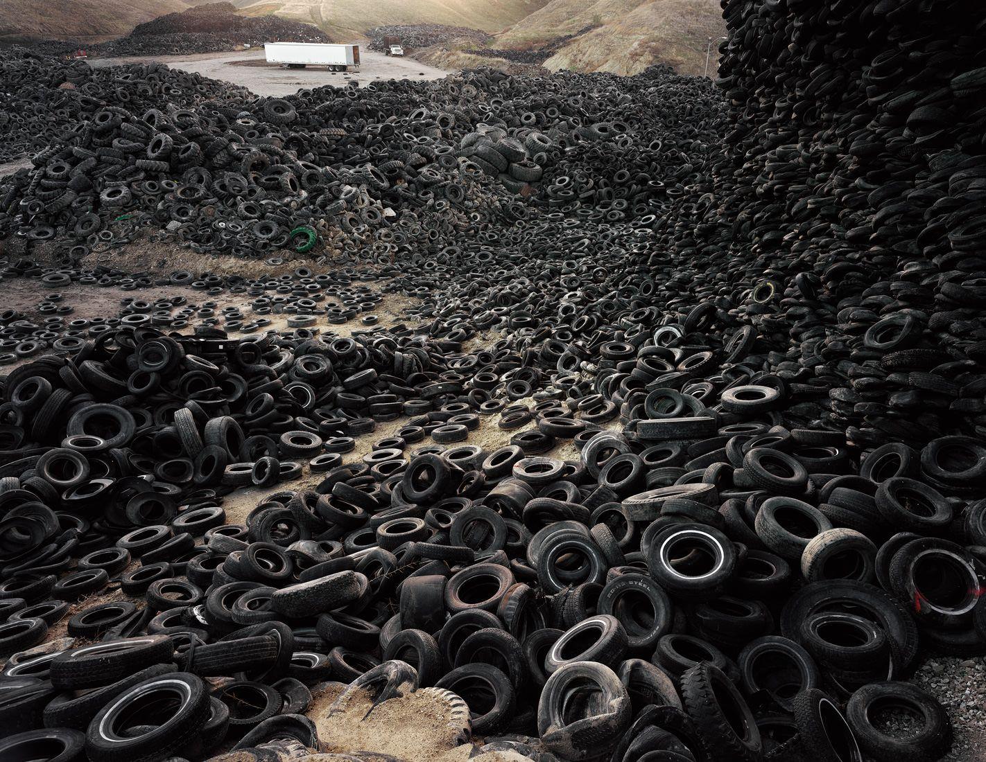 Oxford tire pile no 1 westley california 1999 by for Edward burtynsky