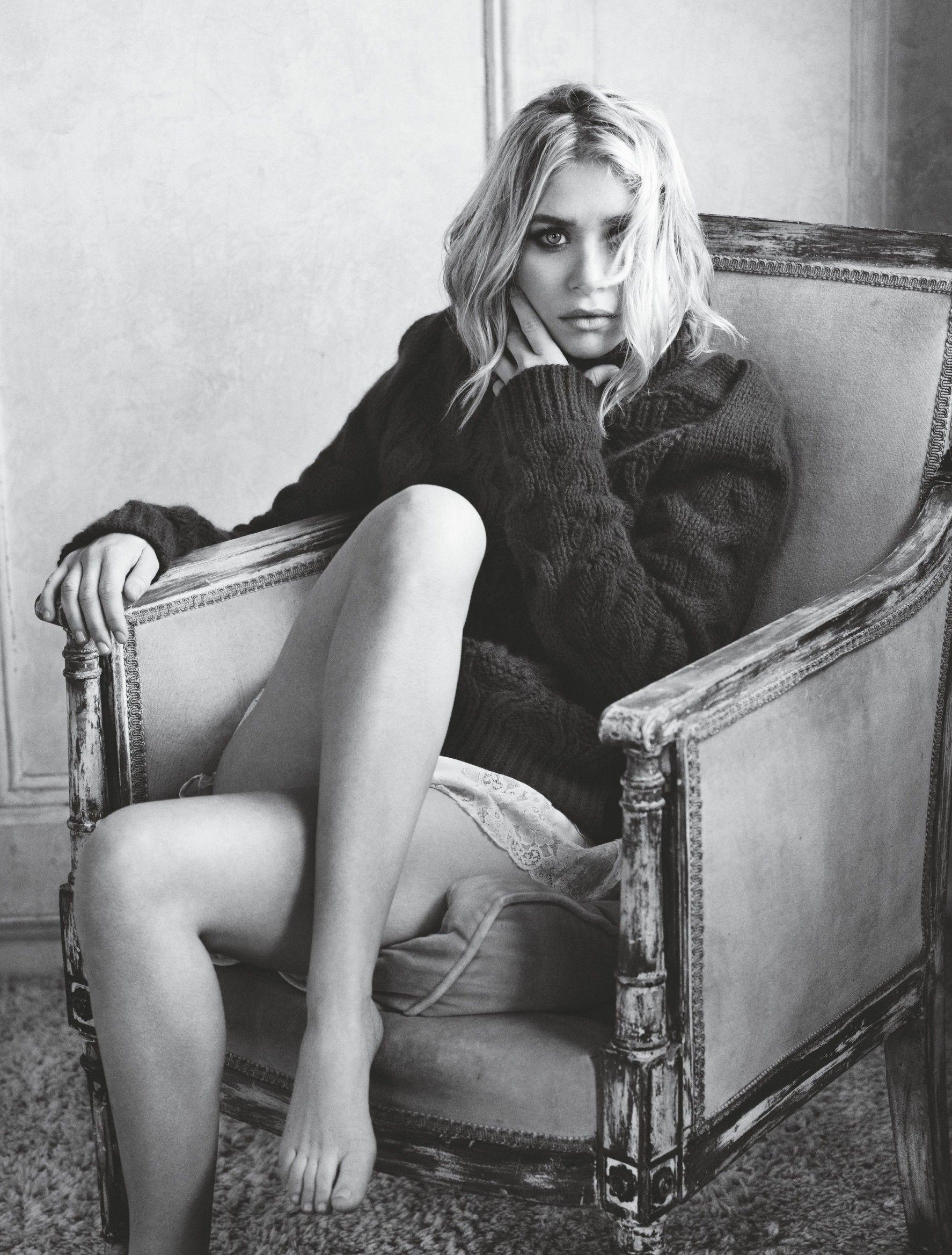 Ashley Olsen débute sa carrière en 1987 à l'âge de... neuf mois, en compagnie de sa soeur jumelle Mary-Kate, dans la série télévisée à succès La Fête à la maison