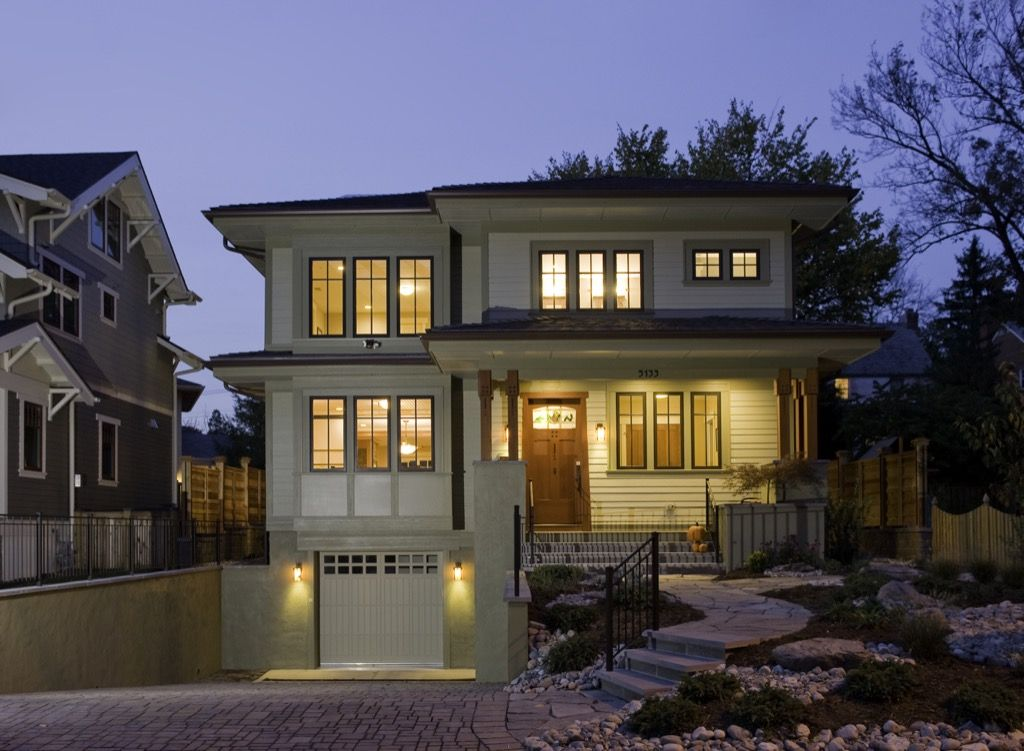 This might be the best modern take on the bungalow I've seen. <3 it. The Olympic - Bungalow Company