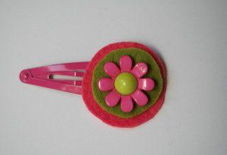 haarspeldje vilt roze/groen bloemetje, het Vrolijke Nest