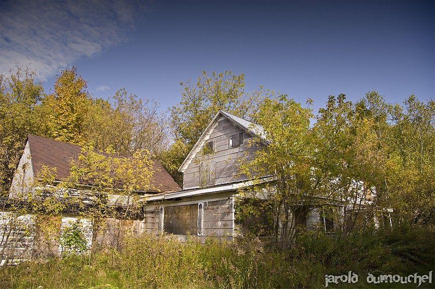 Maison abandonn e sainte brigide d 39 iberville canada maison pinterest abandonn canada - Maison jardin assisted living avignon ...