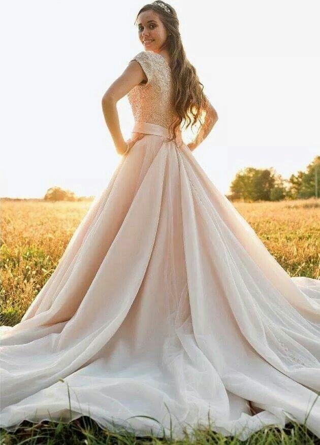 Jessa Duggar S Modest Yet Elegant Wedding Dress Love Her Dress So Much Short Sleeve Wedding Dress Jessa Duggar Wedding Dress Modest Bridal Dresses