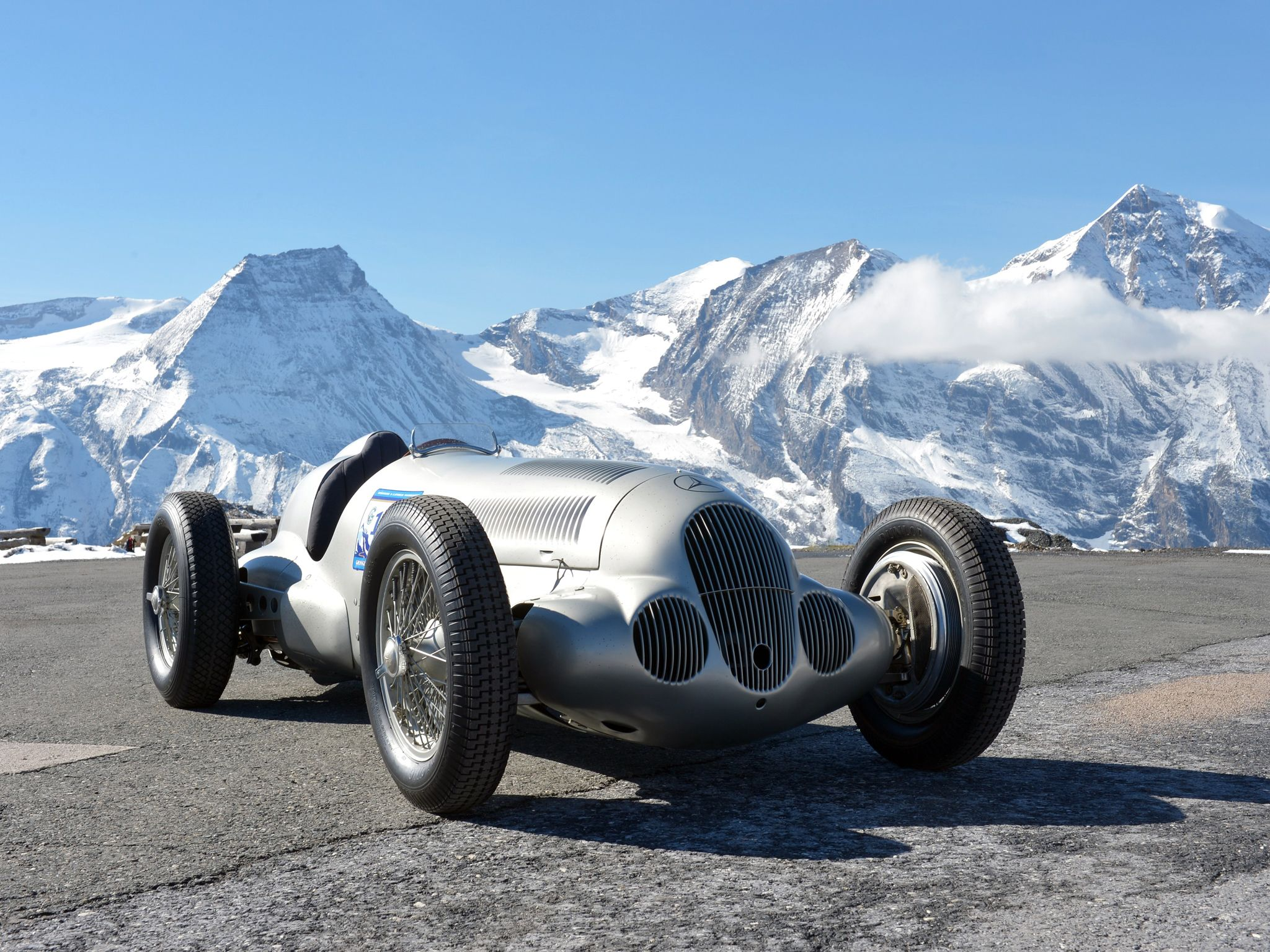 1937 Mercedes Benz Formula W125 Retro Race Racing Wallpaper Racing Mercedes Benz Cars Mercedes