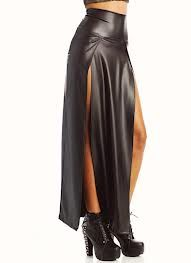 The perfect skirt for high-kicks and other sundry swash-buckling (followed by a victory jig)