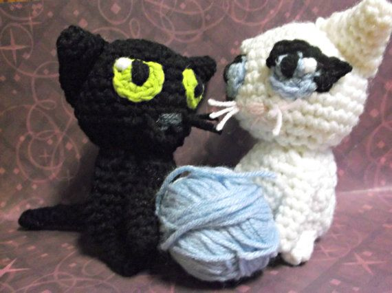 Cat couple black cat and white cat amigurumi crochet by SalemsShop