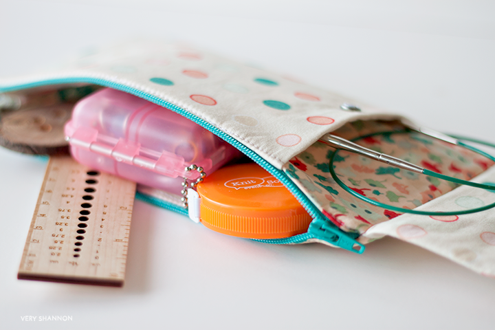 Zippered Pouch with Clasp Flap Tutorial - Will hold sewing supplies, needles, whatever you need!
