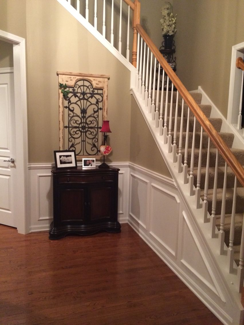 Nice Chair Rail Foyer Part - 9: Foyer Chair Rail And Picture Frame Molding