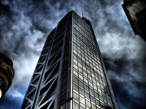 Rozando el cielo (London)