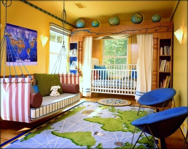 wonderful layout for a Travel Baby Nursery...if the space is available. Also be great for transition phase, baby to toddler.