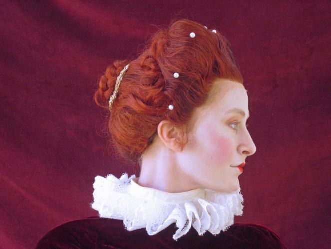 The Ladies of 2.318 - Historical Hair blog with pictures from movies and period but also reproductions like this amazing Elizabethan hair