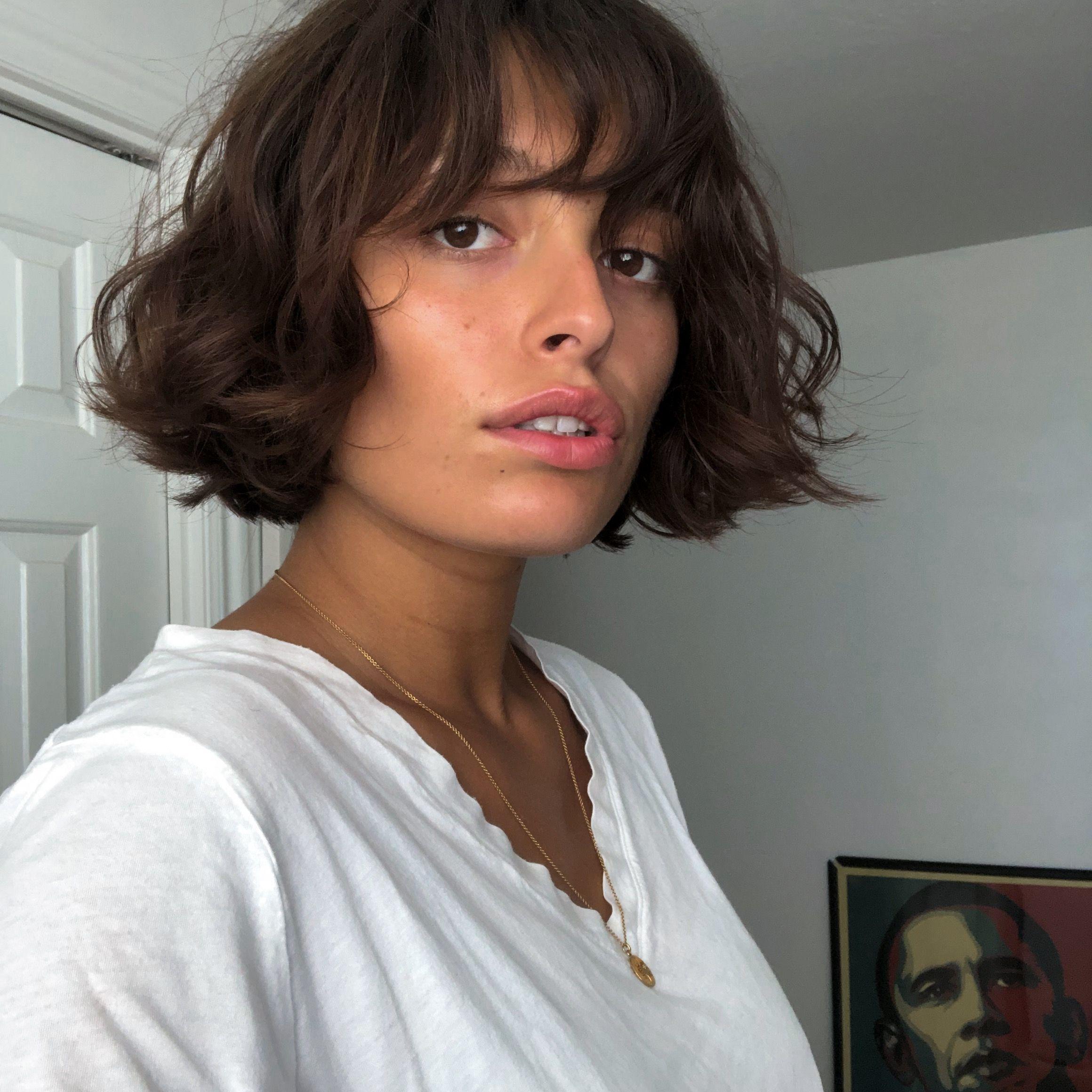 Short Bobbed Hair Short Wavy Hair Medium Short Haircuts Short Hair With Bangs