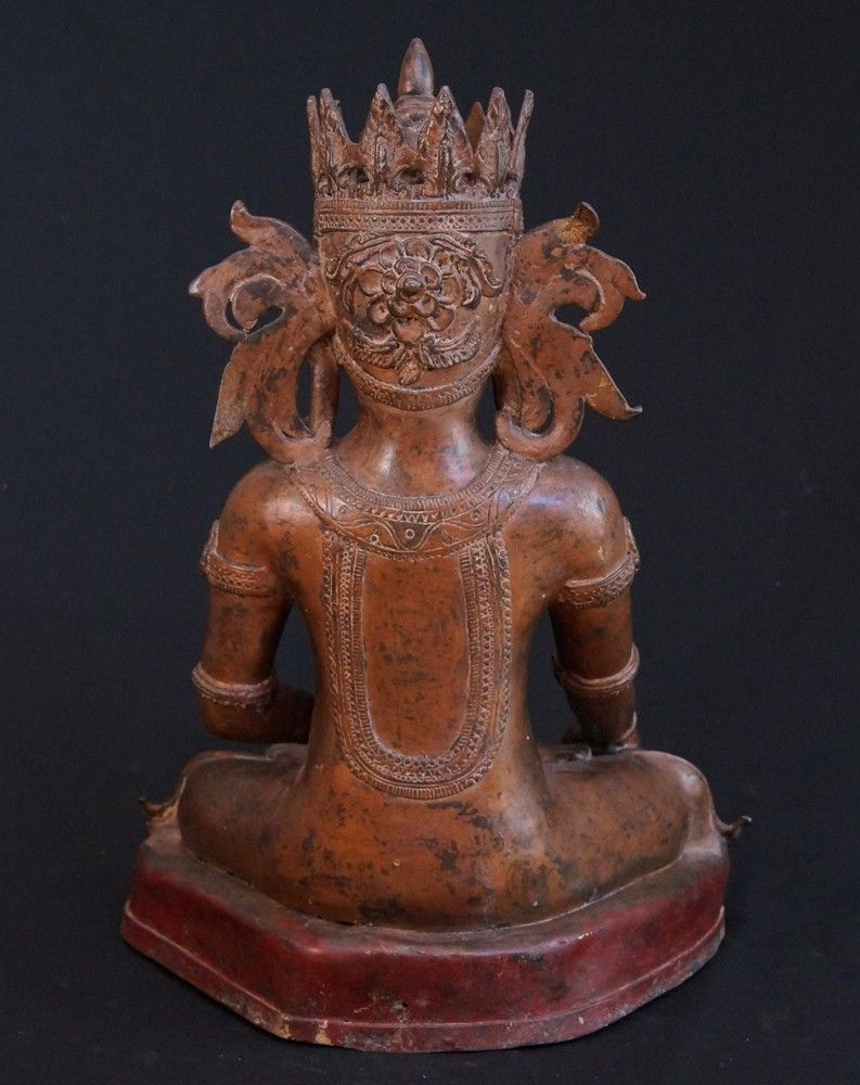 Old bronze Arakan Buddha Material: Bronze 50 cm high 38 cm wide Arakan style Bhumisparsha Mudra Early 20th century Gilt with 24 krt. gold leaf Originating from Burma