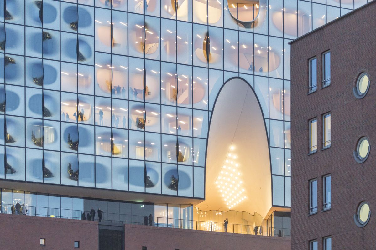 See How Herzog De Meuron S Elbphilharmonie Hamburg Sits In Its Context Elbphilharmonie Hamburg Hamburg Amazing Architecture