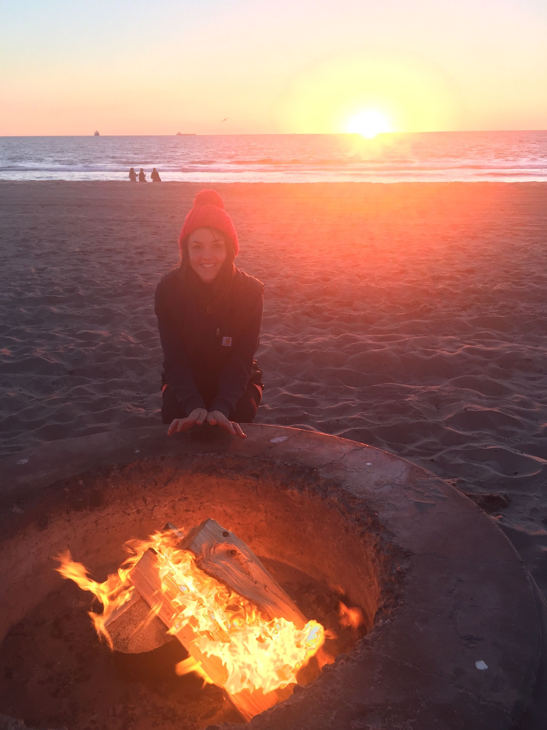 Where To Legally Have A Beach Bonfire In Los Angeles Los Angeles Beaches Beach Bonfire Los Angeles