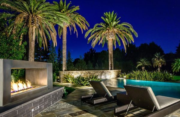 Outdoor Inspiration: Stunning Design Ideas For Fireplaces By The ...