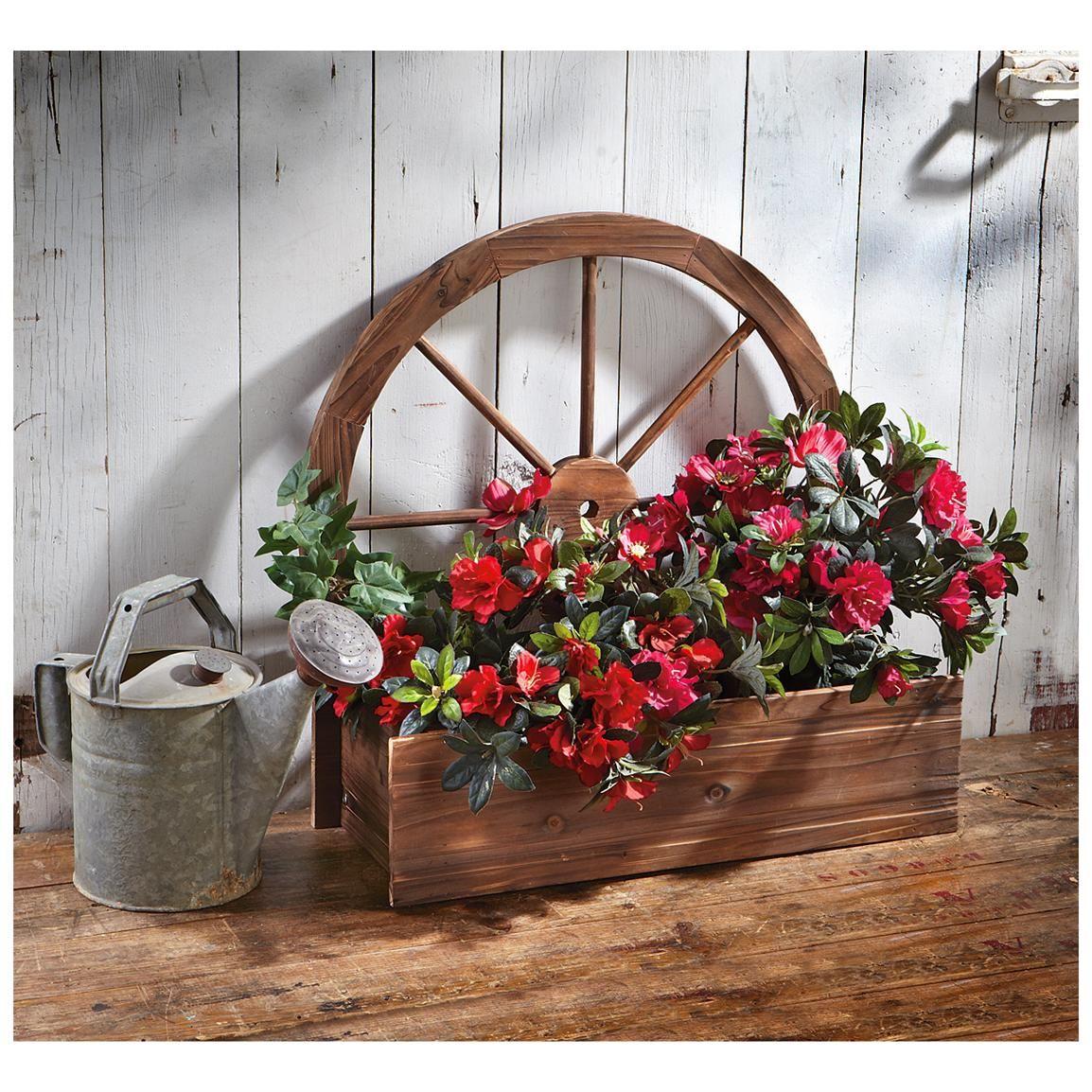 castlecreek wagon wheel planter vintage design ideas pinterest wagon wheels planters and. Black Bedroom Furniture Sets. Home Design Ideas