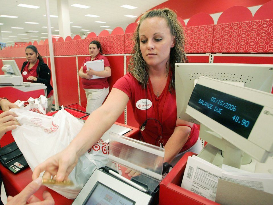 30 Employees Reveal Some Of The Biggest Retail Store