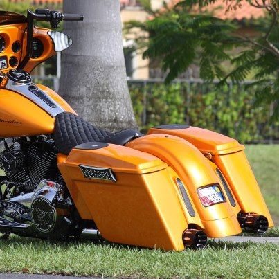 yellow lowrider bagger bagger motorcycles pinterest street glide bagger motorcycle and. Black Bedroom Furniture Sets. Home Design Ideas