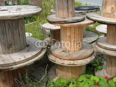 Leere Kabeltrommeln Aus Holz Im Gewerbegebiet Am Leitz Park In Wetzlar An Der Lahn In Hessen Kabeltrommel Holz Holz Trommel