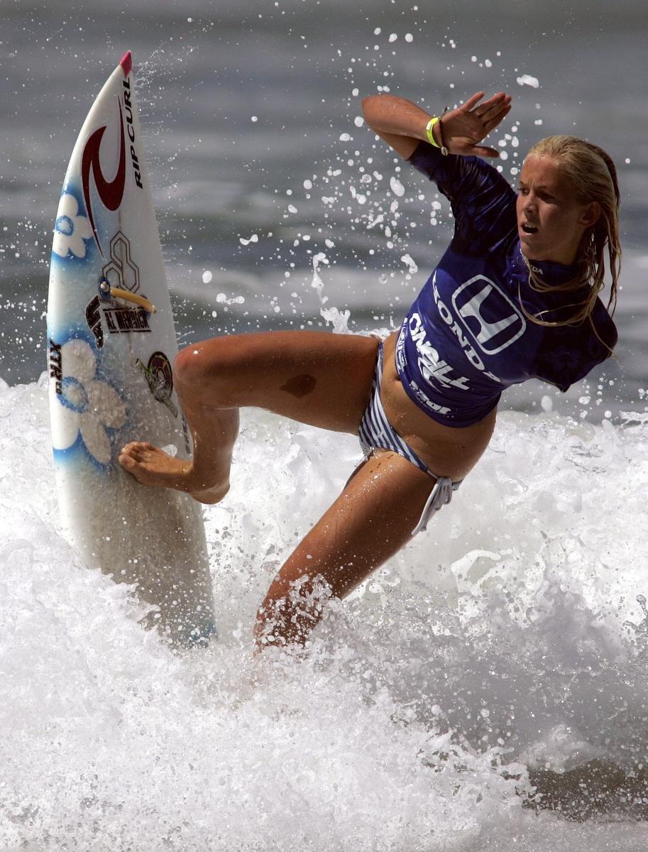 Girl surfer movie — photo 3