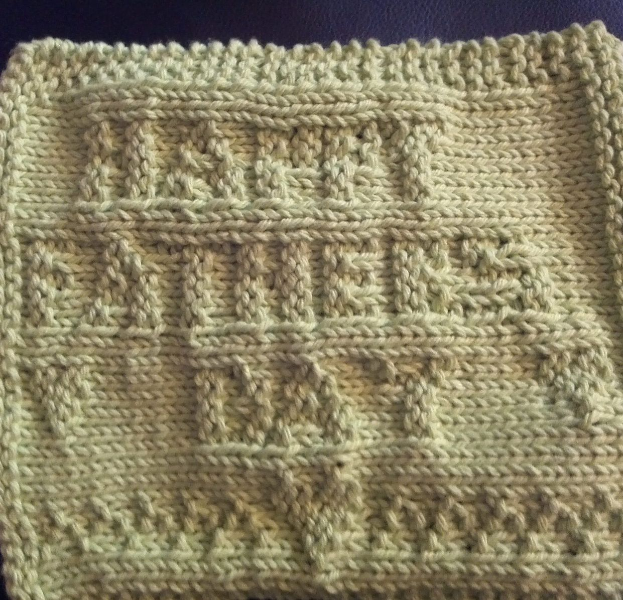 Free knitting pattern for happy fathers day cloth an easy wash free knitting pattern for happy fathers day cloth an easy wash cloth forms its message as it is knit sideways suitable for beginners bankloansurffo Choice Image
