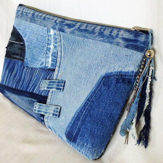 recycl s vieux jeans pochette de tissu indigo teints par kazuenxx sac en jeans et bracelet. Black Bedroom Furniture Sets. Home Design Ideas