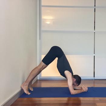 how to do sirsasana headstand stepstep  yoga