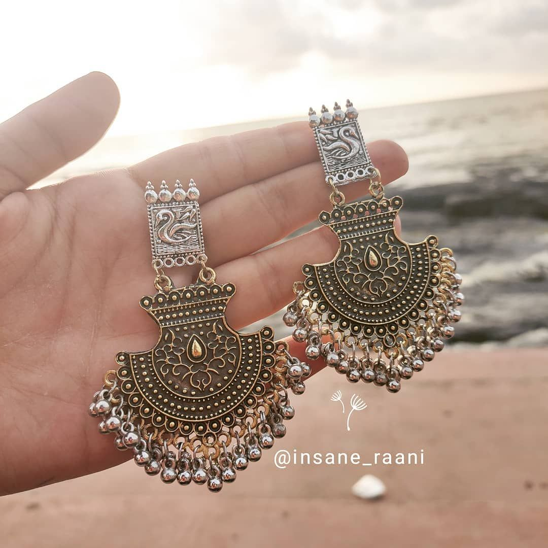 DM to order ❤ dual tone and extremely light weight earrings Price : 150/- only 🌸 + Shipping 30/- in Gujarat, 60/- out of Gujarat Limited pieces in stock 🌸 Free pick up point in Vidyanagar