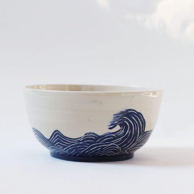 """Mikaela Puranen • Ceramics on Instagram: """"Två saker som ger mig rysningar av välbehag och får hjärtat att slå lite snabbare är keramik och havet. Så att kombinera dom borde ju vara…"""""""