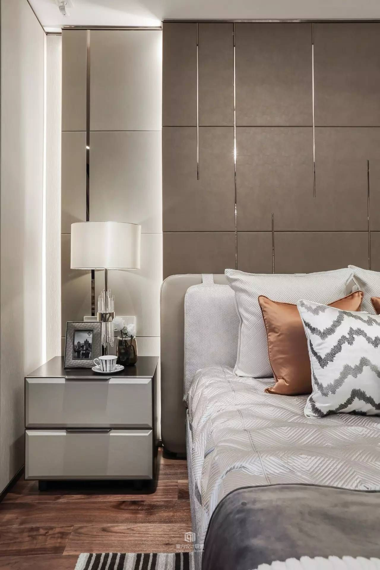 find out why mid century bedroom decor is the way to go on unique contemporary bedroom design ideas for more inspiration id=64767