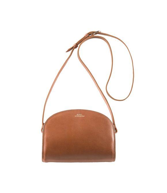 apc sac demi lune fashion pinterest bag tomboy chic and fake fur. Black Bedroom Furniture Sets. Home Design Ideas