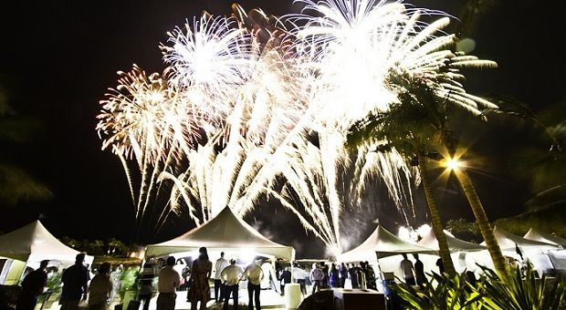 Discover New Year Parties In Hawaii 2016 Authorized Disney Vacation Planner Aulani Resort Aulani Disney Resort
