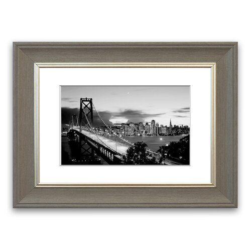 Photo of East Urban Home Gerahmter Fotodruck New York City – Blick von der Brooklyn Bridge in Schwarz/Weiß