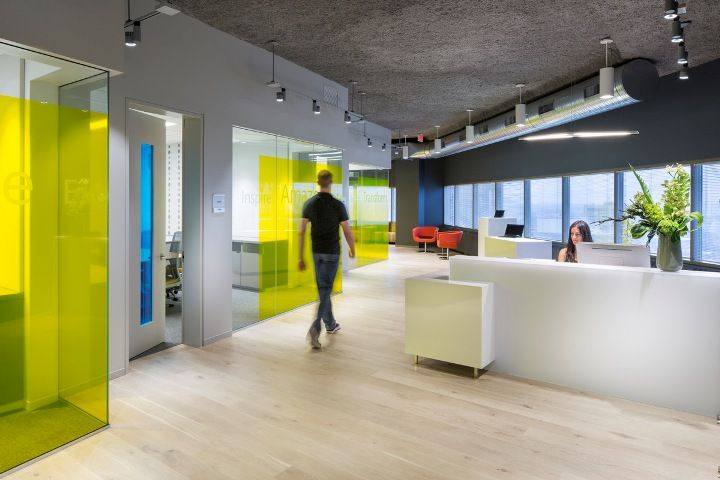 Microsoft office and customer center design by Perkins+Will - innovatives interieur design microsoft