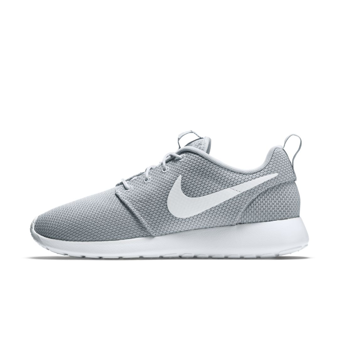 e434a1538c2 Nike Roshe One Men s Shoe Size 9 (Wolf Grey) in 2019