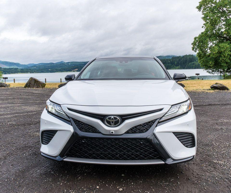Driven 2018 Toyota Camry XSE (Dengan gambar)