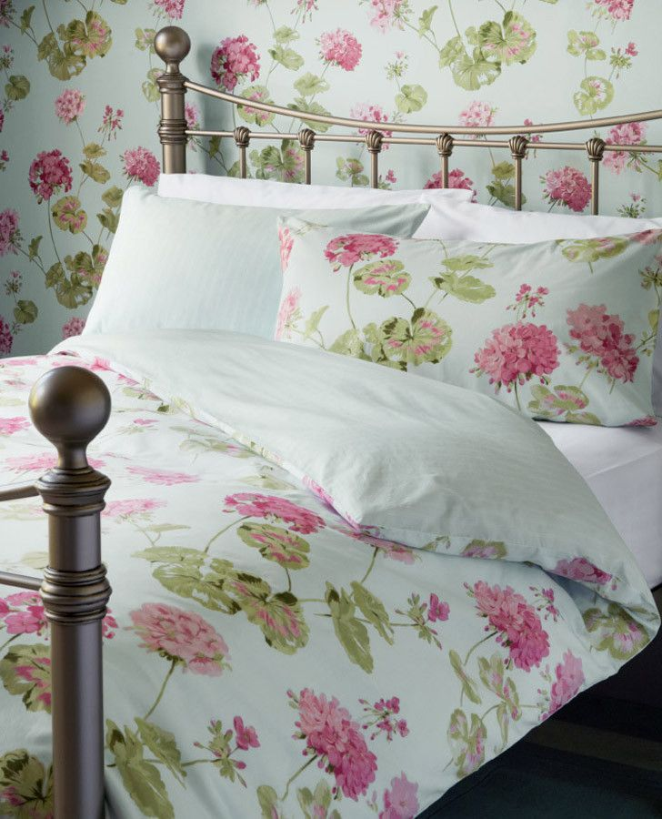 Laura Ashley ~ Geranium Pale Topaz Bedset