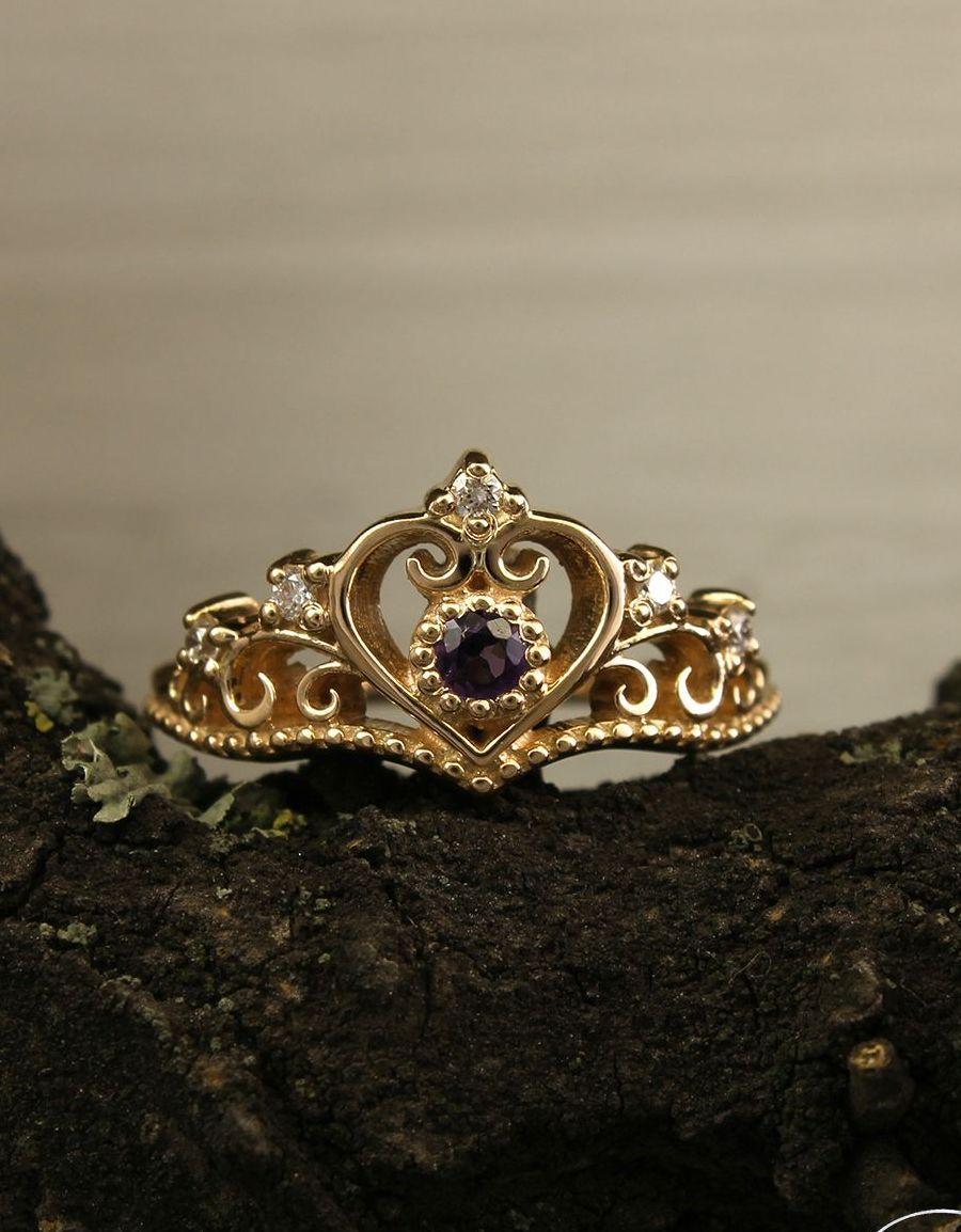 Crown Engagement Ring By Weddingringsstore Emerald Wedding Rings Crown Engagement Ring Wedding Rings Unique