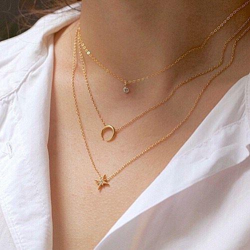 Photo of Wir lieben diesen zierlichen Layering-Look. Tippen Sie auf das Foto, um die Namen der Halsketten anzuzeigen. GESCHÄFT…